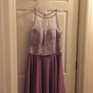 Dresses & Skirts - Wisteria knee length polyester & lace dress